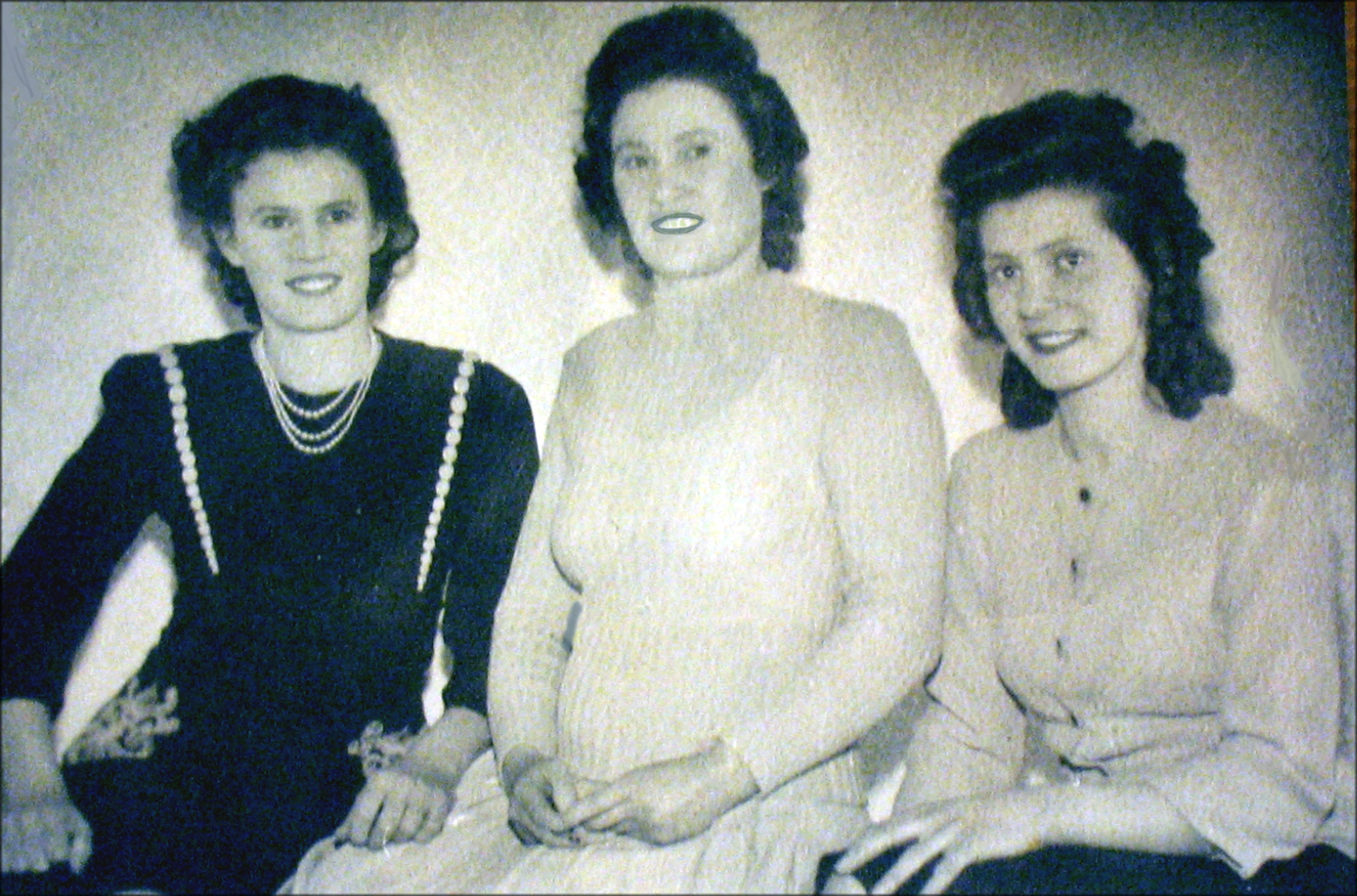 Betty and her sisters, Rose (left) and Anne (middle)